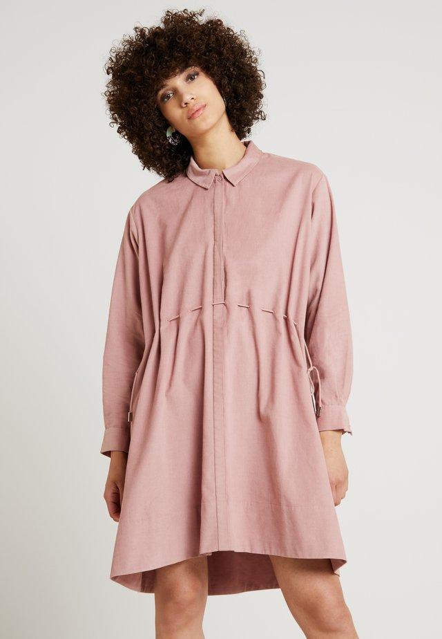 SMYTHSON - Košilové šaty - light pink