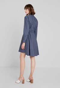 French Connection - MATTIA CHECK DRAWSTRNG - Shirt dress - dark blue/white - 3