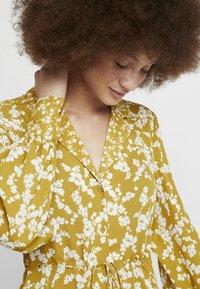 French Connection - BRUNA LIGHT DRESS - Maxi dress - citronelle/cream - 3