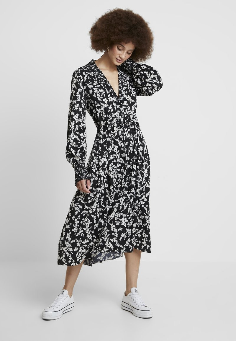French Connection - BRUNA LIGHT DRESS - Maxikleid - black/classic cream