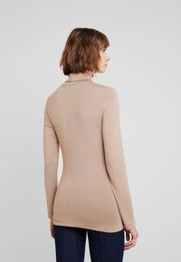 French Connection - VENETIA SPLIT CUFF - Long sleeved top - classic camel - 2