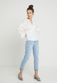 French Connection - CLARTA FIL COUPE DVORE WRAP - Blouse - summer white - 1