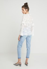 French Connection - CLARTA FIL COUPE DVORE WRAP - Blouse - summer white - 2