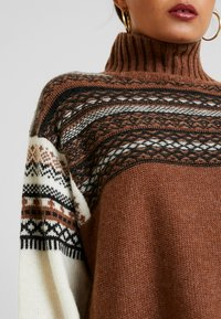 French Connection - PATCHWORK FAIRISLE  - Jumper - camel/multi - 5