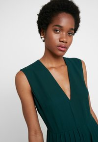 French Connection - CARRABELLE PLEATD - Jumpsuit - bayou green - 3