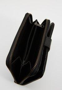 FREDsBRUDER - MILLIONARE - Wallet - black - 6
