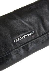 FREDsBRUDER - FLAPPY - Wallet - black - 3