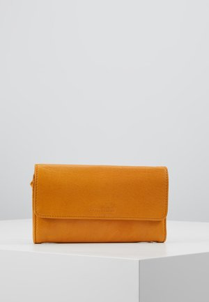 OOMPH PEP WALLET - Lompakko - light camel