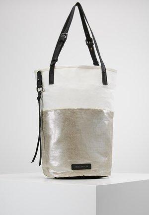 ROADTRIP - Handbag - silver