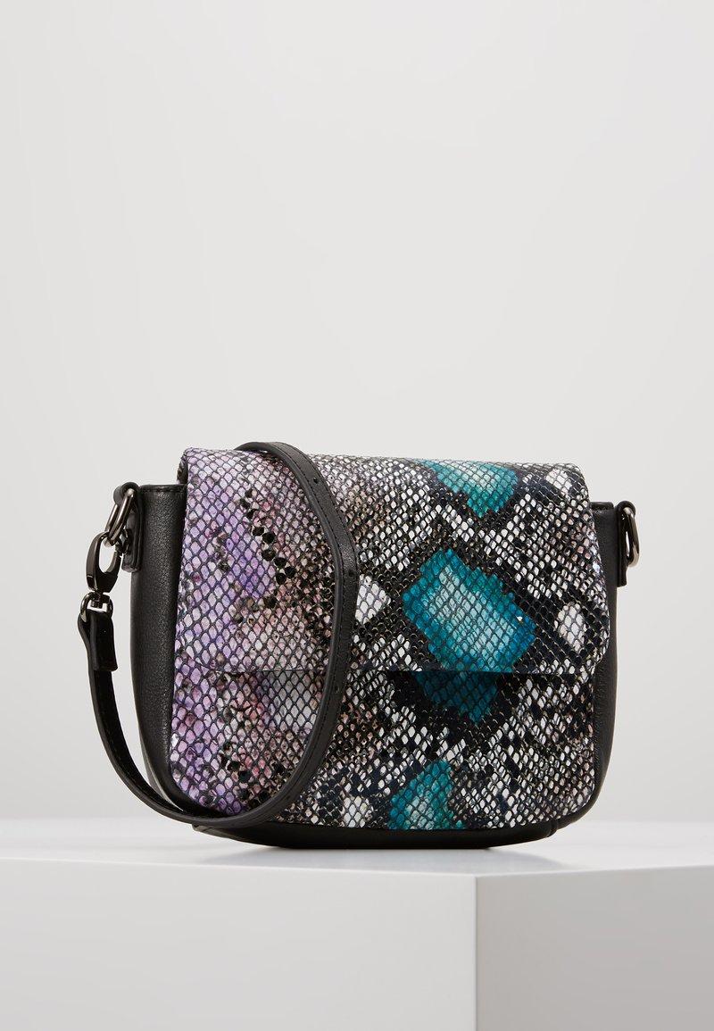 FREDsBRUDER - CINCH - Taška spříčným popruhem - turquoise