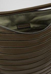 FREDsBRUDER - PICNIC - Håndtasker - khaki - 4