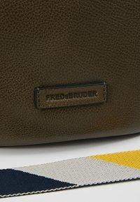 FREDsBRUDER - OSAKA - Handtasche - khaki - 6