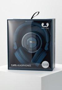 Fresh 'n Rebel - CAPS HEADPHONES - Headphones - indigo - 4