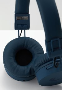 Fresh 'n Rebel - CAPS HEADPHONES - Headphones - indigo - 7
