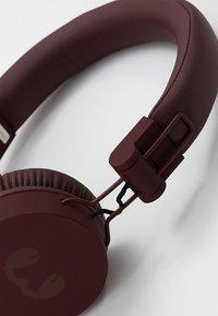 Fresh 'n Rebel - CAPS WIRELESS HEADPHONES - Kopfhörer - ruby - 6