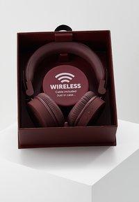Fresh 'n Rebel - CAPS WIRELESS HEADPHONES - Kopfhörer - ruby - 3