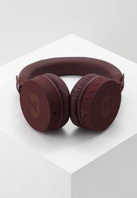 Fresh 'n Rebel - CAPS WIRELESS HEADPHONES - Kopfhörer - ruby - 2