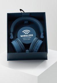 Fresh 'n Rebel - CAPS WIRELESS HEADPHONES - Headphones - indigo - 3