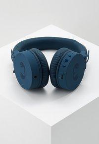 Fresh 'n Rebel - CAPS WIRELESS HEADPHONES - Headphones - indigo - 2