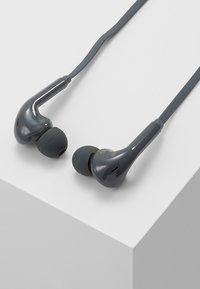 Fresh 'n Rebel - VIBE WIRELESS IN EAR HEADPHONES - Høretelefoner - concrete - 0