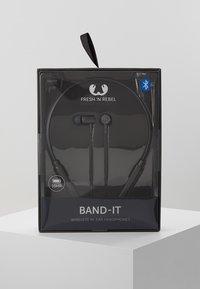 Fresh 'n Rebel - BAND IT WIRELESS IN EAR HEADPHONES - Headphones - concrete - 2