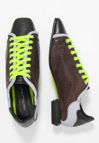 Fratelli Russo - JENNI  - Zapatos de vestir - texas castagna - 3