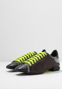 Fratelli Russo - JENNI  - Zapatos de vestir - texas castagna - 4