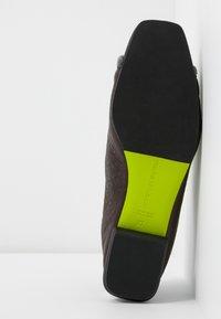 Fratelli Russo - JENNI  - Zapatos de vestir - texas castagna - 6