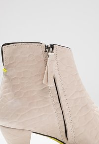 Fratelli Russo - OPRAH - Ankle boots - texas silicio - 2