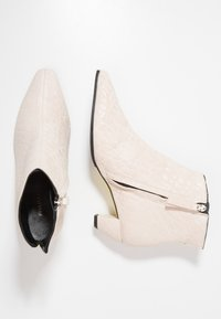 Fratelli Russo - OPRAH - Ankle boots - texas silicio - 3