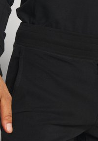 Frescobol Carioca - LEBLON LOUNGE - Pyjama bottoms - black - 4