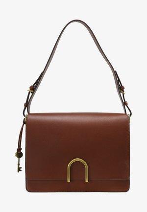 MAYA - Taška spříčným popruhem - medium brown