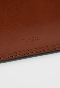 Fossil - RYDER - Kabelka - medium brown - 8