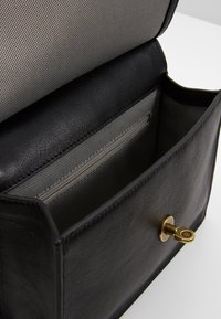 Fossil - STEVIE - Across body bag - black - 4