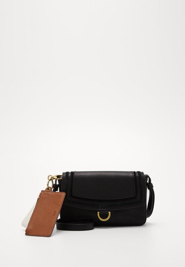 MILLIE - Across body bag - black