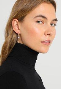 Fossil - CLASSICS - Earrings - roségold-coloured - 1