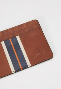 Fossil - HANS - Wallet - cognac - 2
