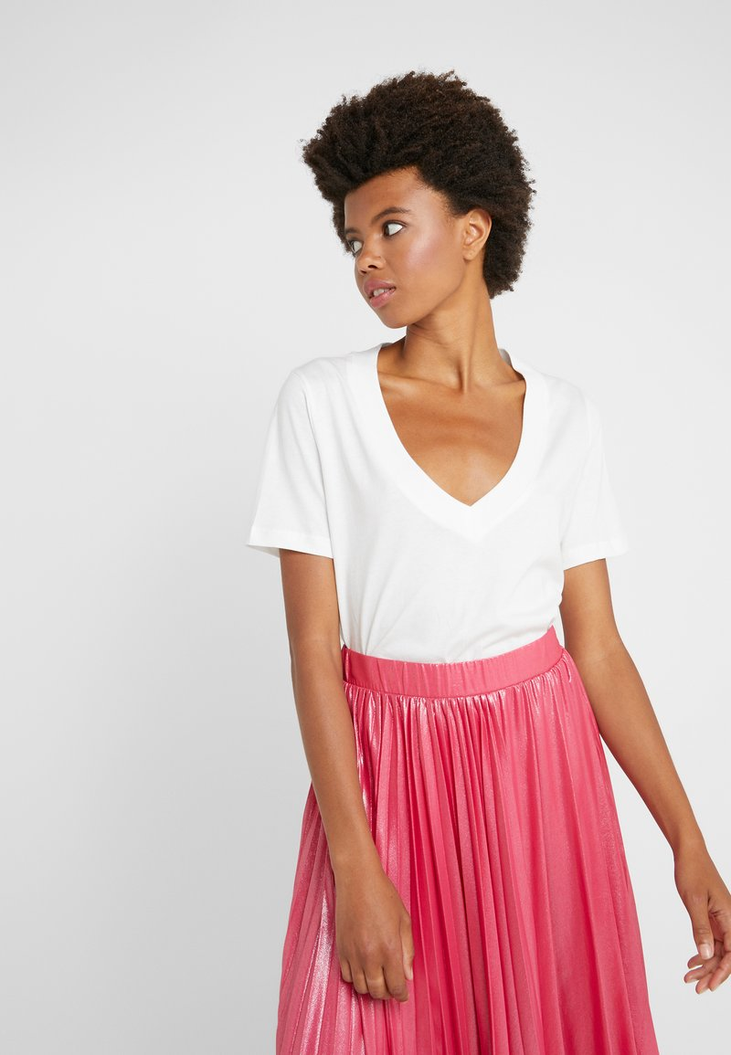 FTC Cashmere - Basic T-shirt - pristine white