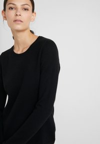 FTC Cashmere - Sweter - moonless night - 5