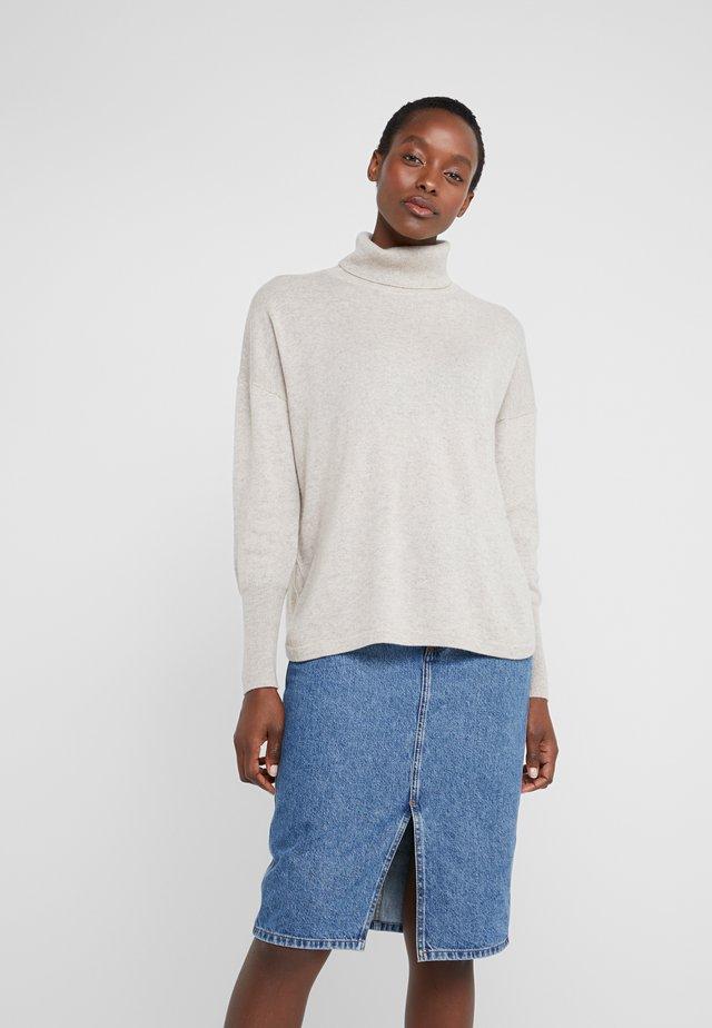 ROLLNECK - Stickad tröja - natural
