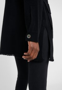 FTC Cashmere - CARDIGAN POLO - Strikjakke /Cardigans - moonless night - 4