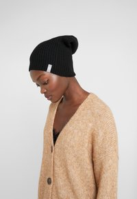 FTC Cashmere - NEW BEANIE - Huer - moonless night - 1