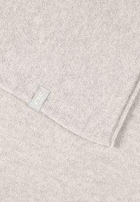 FTC Cashmere - CLASSIC SCARF - Sjal / Tørklæder - dune - 2