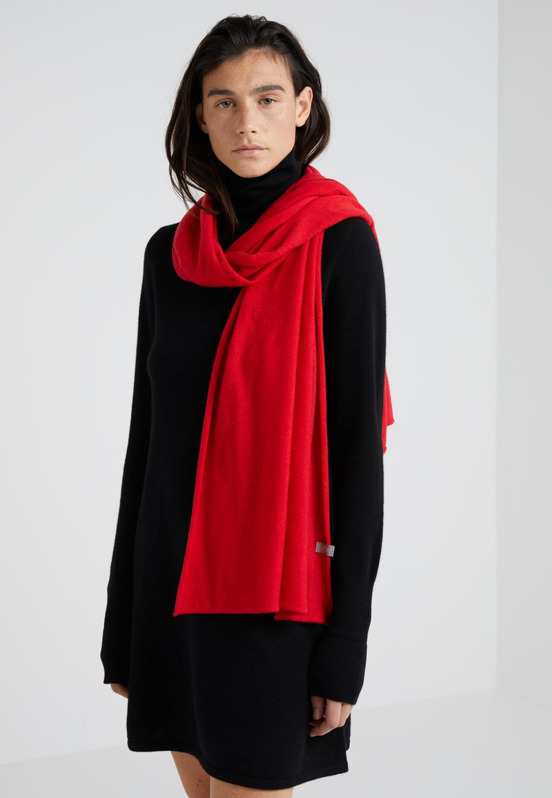 FTC Cashmere - CLASSIC SCARF - Scarf - lipstickred