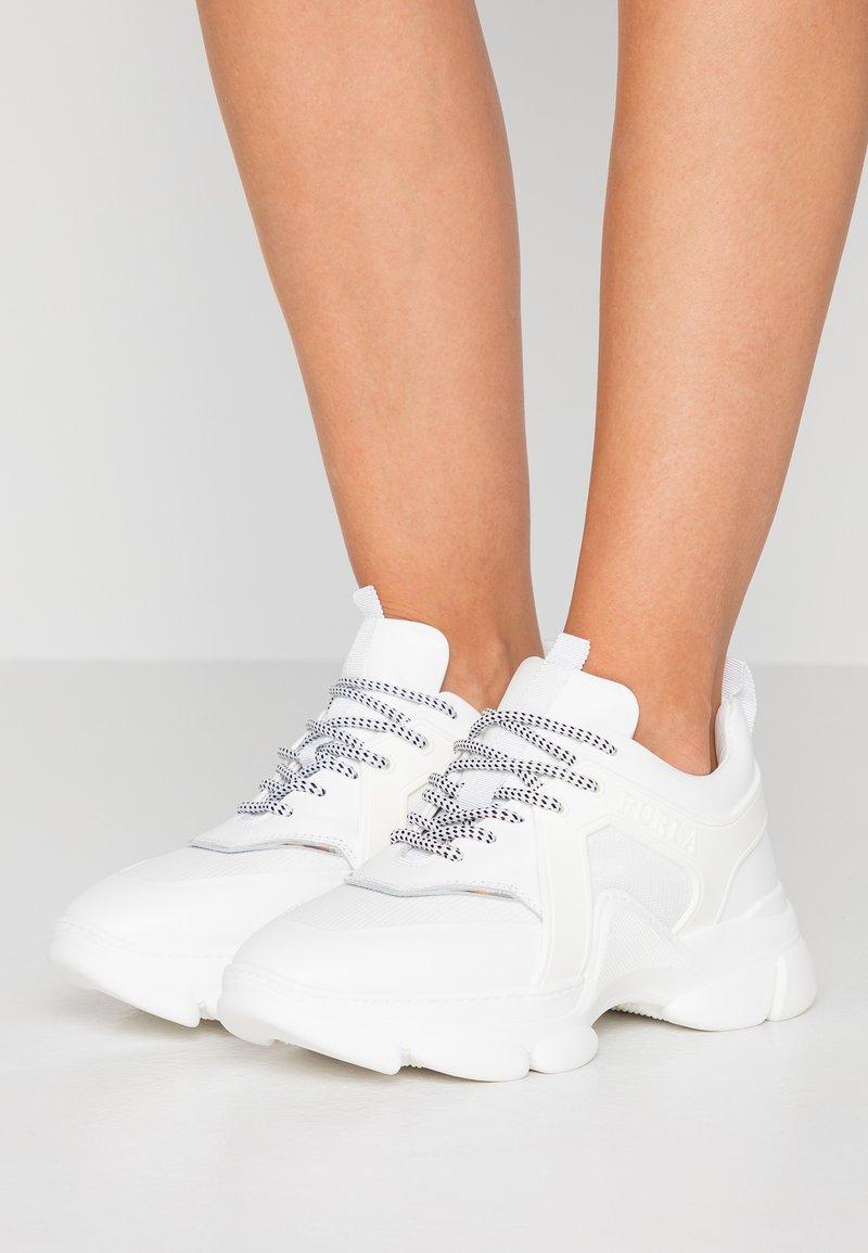 Furla - WONDERFURLA BASSA - Sneakers laag - chalk