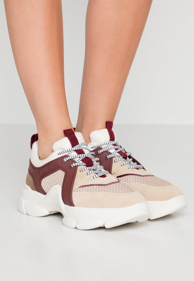 WONDERFURLA BASSA - Sneaker low - petalo/dalia/ribes