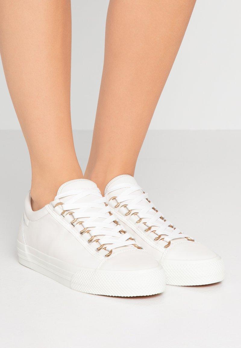 Furla - HIKAIA - Sneakers basse - gesso