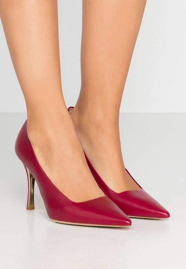 COD DECOLLETE - Klassiska pumps - ciliegia