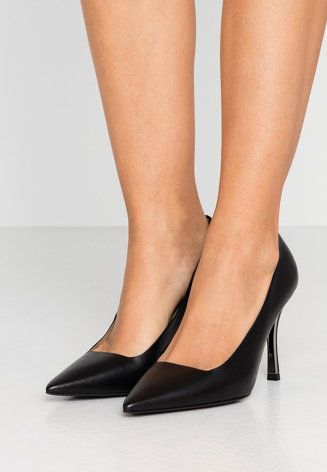 DECOLLETE - Klassiska pumps - onyx