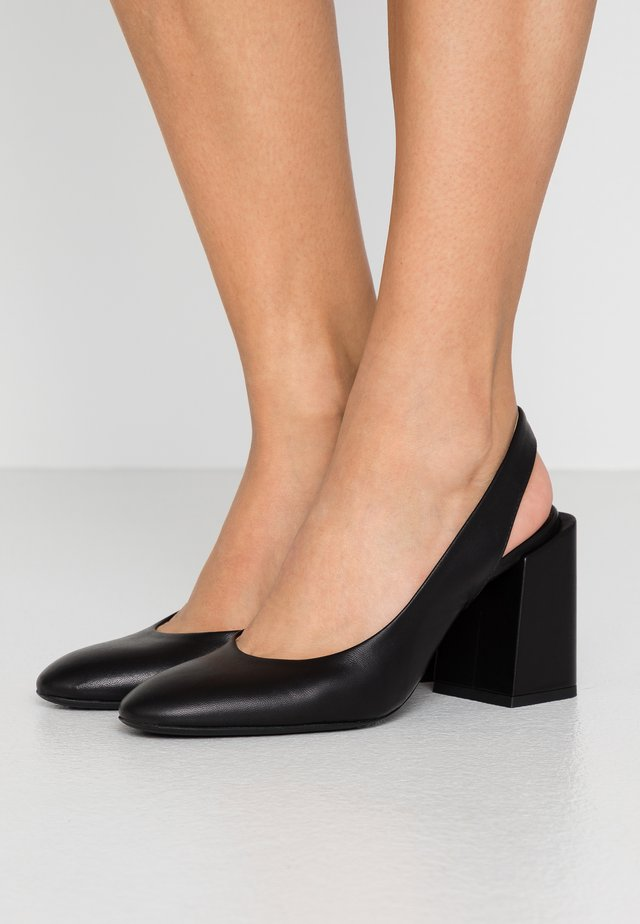BLOCK SLING-BACK - Klassiska pumps - nero